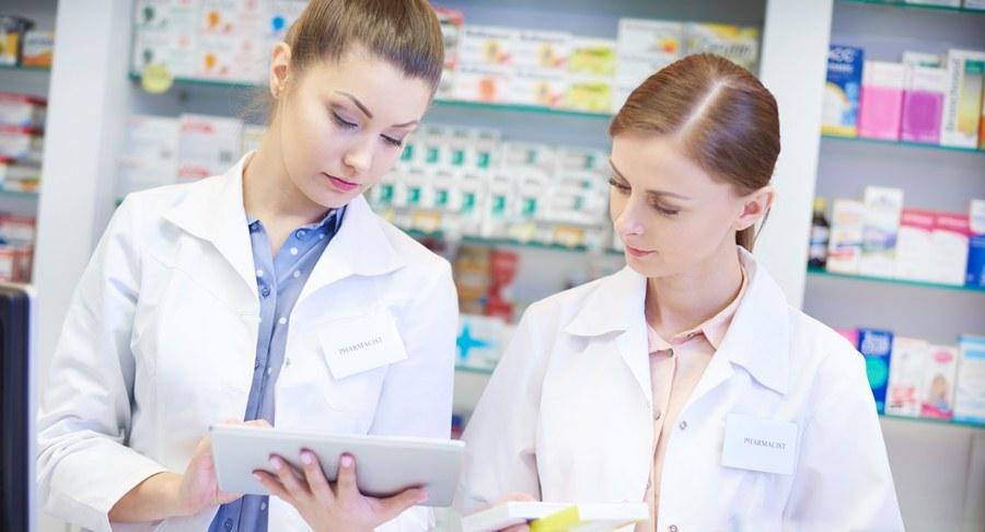 Szkolenia dla farmacji – jak zorganizować aptekę
